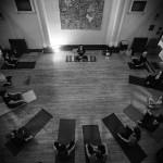 【EMO的人們有福了!黑金屬音樂(Black Metal) X 瑜伽】 以暗黑瑜伽進入身心合一的境界